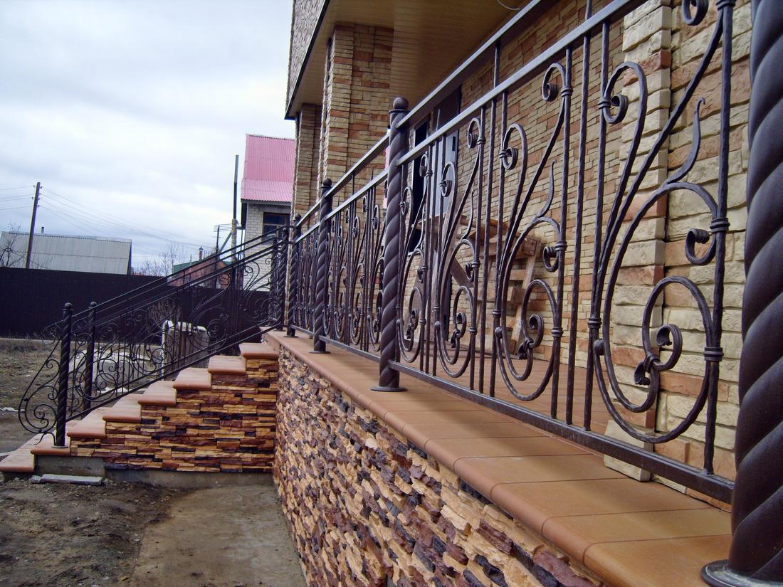 фото перил кованых уличных в элитных домах неотмеченным картах дорогам